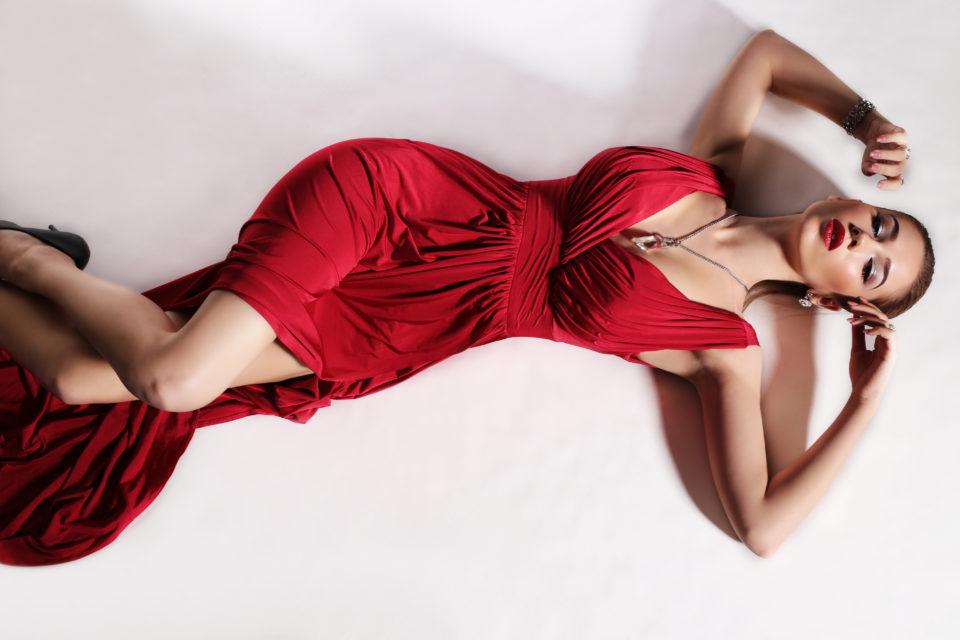 Lady in red – czerwony kolor to hit tej zimy!