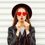 Pomadka – symbol Twojej kobiecości. Jak dobrać kolor szminki do urody?