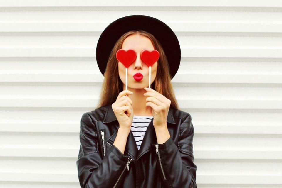 Pomadka - symbol Twojej kobiecości. Jak dobrać kolor szminki do urody?