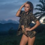 Kolor khaki i styl militarny — nadaj im kobiecego szyku!