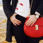 Stylizacje do pracy i szkoły: jak wybrać zestaw ubrań do biura lub na uczelnię?