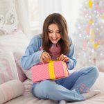 Pomysły na prezenty mikołajkowe: 7 upominków od (i dla) stylowej Pakutengirl!