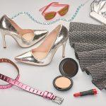 Modne dodatki mają moc! Odmień sukienkę torebką, butami  i biżuterią