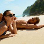 Stylizacje na plażę: na co patrzą faceci? (pytamy ich – będziesz zaskoczona!)