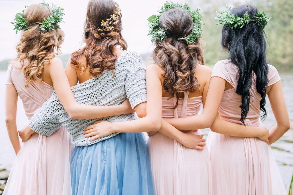 W czym na wesele? Sukienki dla druhny, świadkowej i gościa