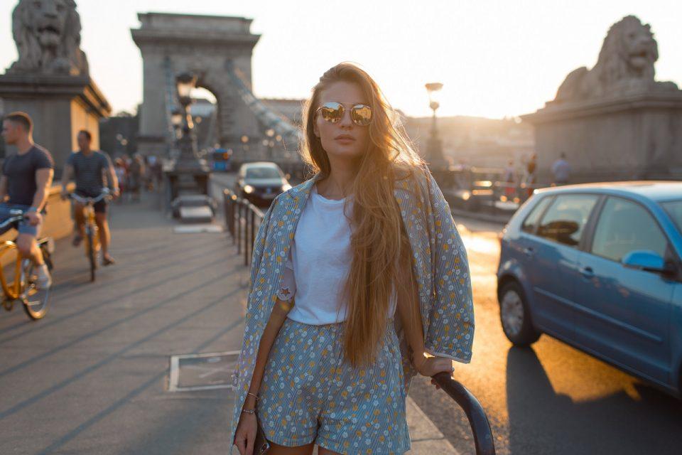 Odważny styl Littlemonster96: jak ubiera się Angelika Mucha?
