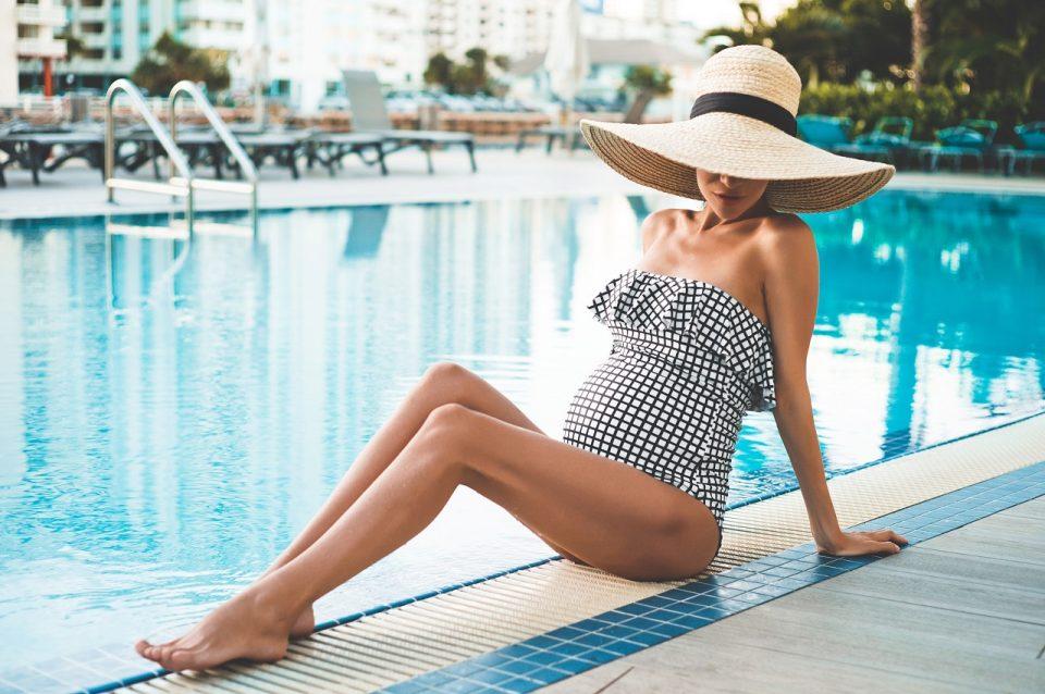 """Joanna Krupa w ciąży: kontrowersyjne stylizacje jurorki """"Top Model"""""""