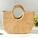 Plecione torebki to hit wakacji! Sprawdź stylizacje z nimi!